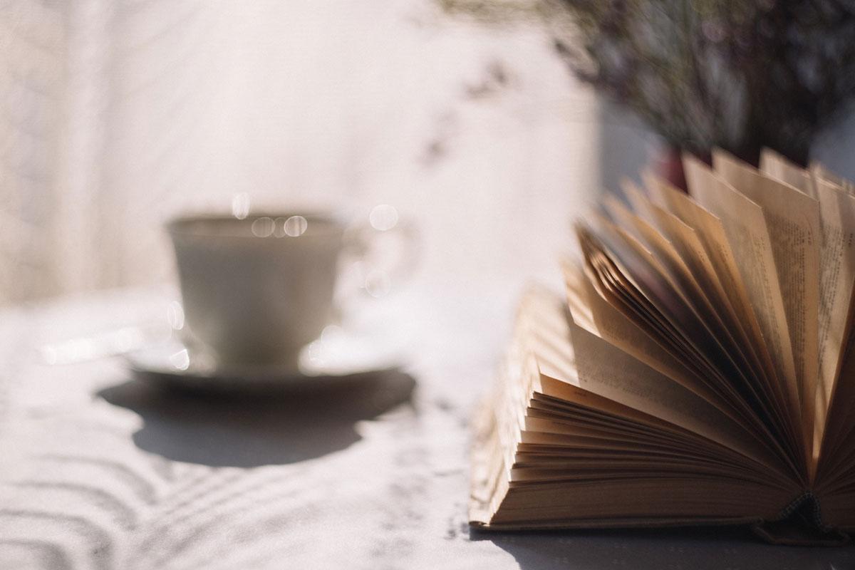 Exemple de coin lecture et thé - Aujourd'hui Demain